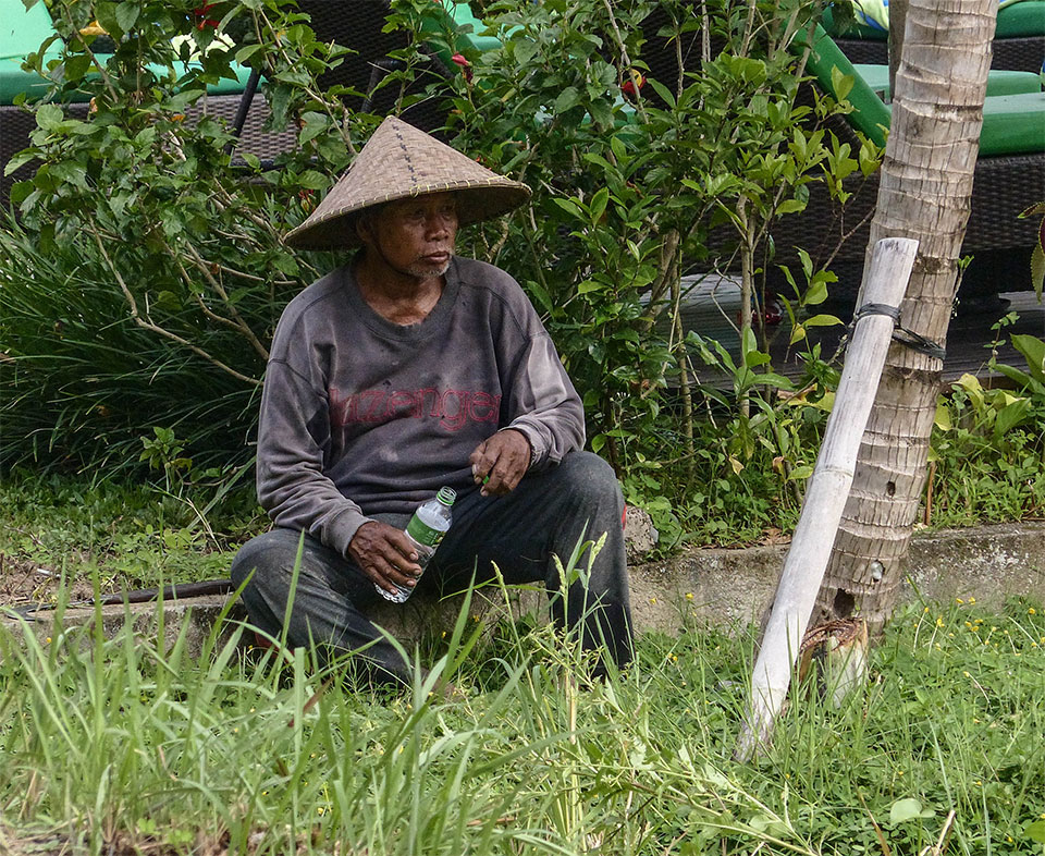 3-8-Bali-Working-RiceField8