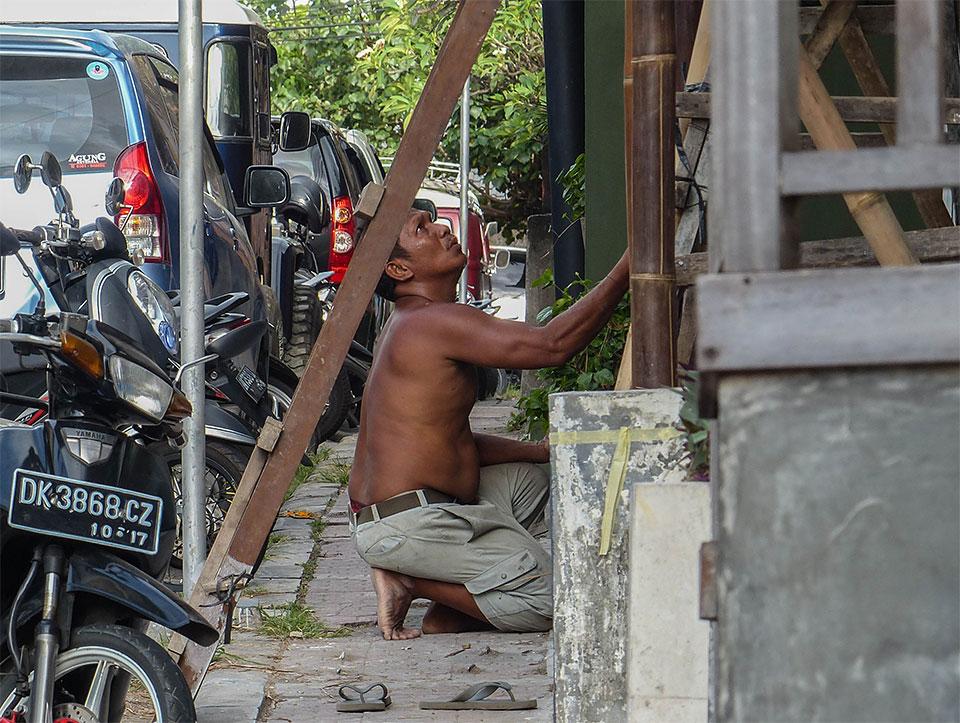 4-5-Bali-Working-FacadeWorks