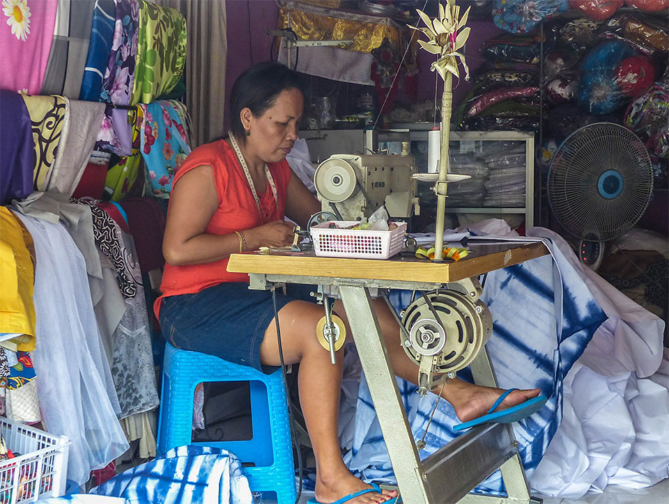 4-6-Bali-Working-Tailor