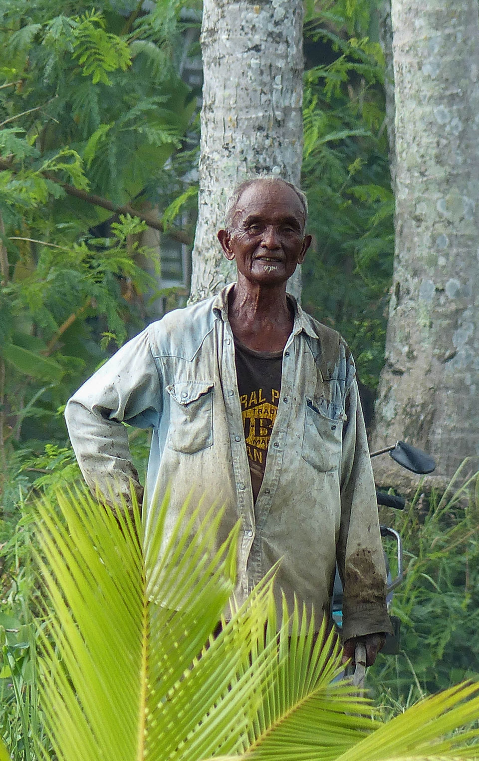 7-1-Bali-People-FriendlyMan