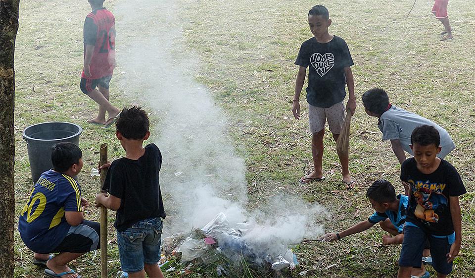 7-4-Bali-Kids-SmokedTrash
